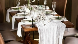 Tablecloth runner set with 6 napkins