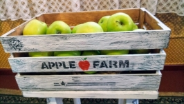 Ящик ′APPLE FARM′