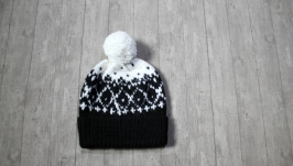 Knitted hat - В′язана шапка